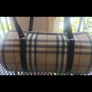 Burberry- Soft Leather- Cylinder Purse- USED!